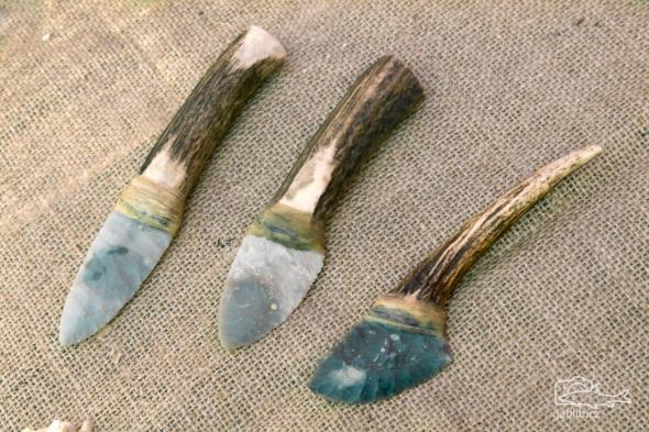Pazourkové nože.