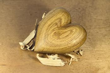 Srdíčko ze dřeva