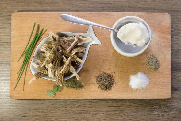Smrž kuželovitý (Morchella conica)